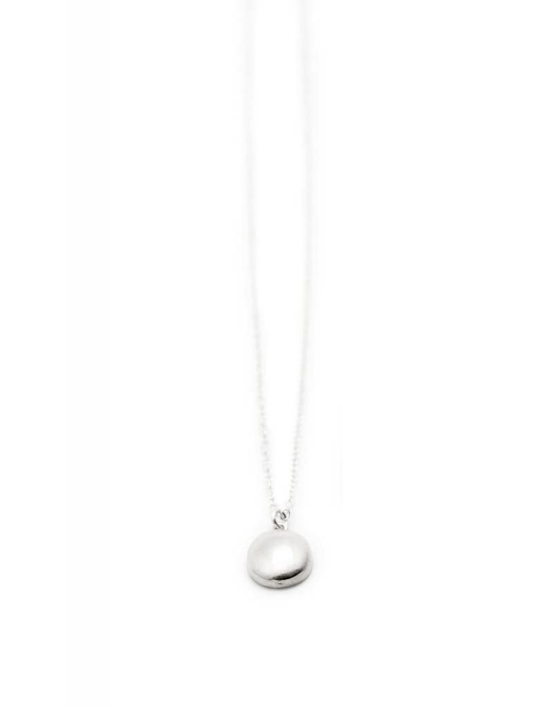 TIFFANY KUNZ Petite Oval necklace