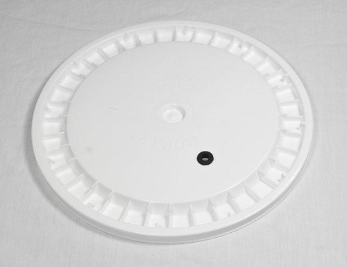 6.5 Gallon Lid only - Drilled with Grommet