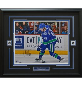 ELIAS PETTERSSON AUTOGRAPH 16X20 PHOTO 23X28 FRAME - VANCOUVER CANUCKS