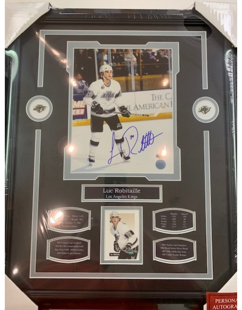 LUC ROBITAILLE AUTOGRAPH 16X20 FRAME - LOS ANGELES KINGS