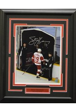 STEVE YZERMAN AUTOGRAPH 16X20 FRAME - DETROIT RED WINGS