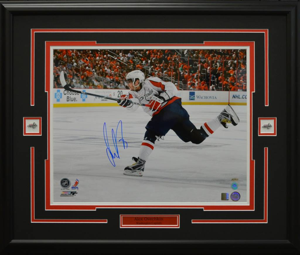 ALEX OVECHKIN AUTOGRAPH 16X20 PHOTO 23X28 FRAME - WASHINGTON CAPITALS