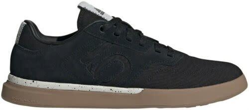 Five Ten Five Ten Sleuth DLX PU Women's Flat Shoe: Black/Gray Two/Gum 7