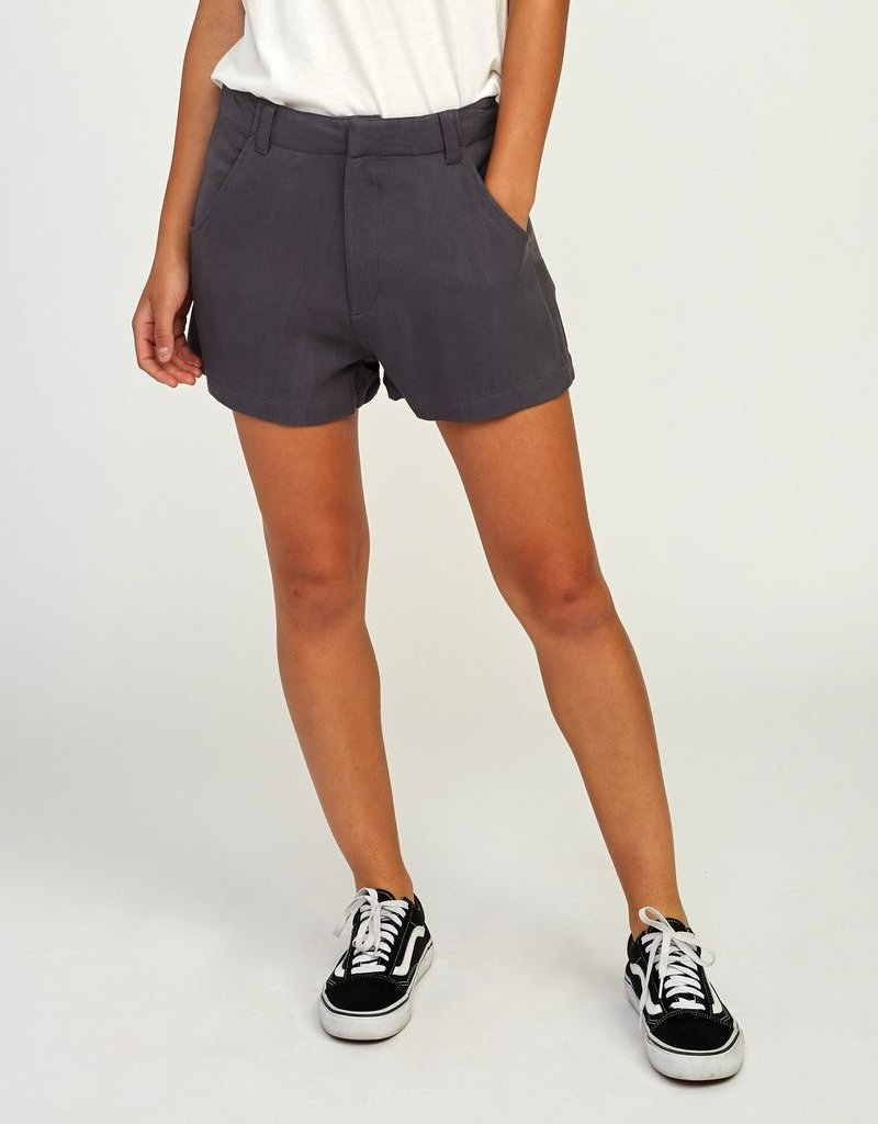 RVCA CAUGHT UP HIGH RISE WOVEN SHORT