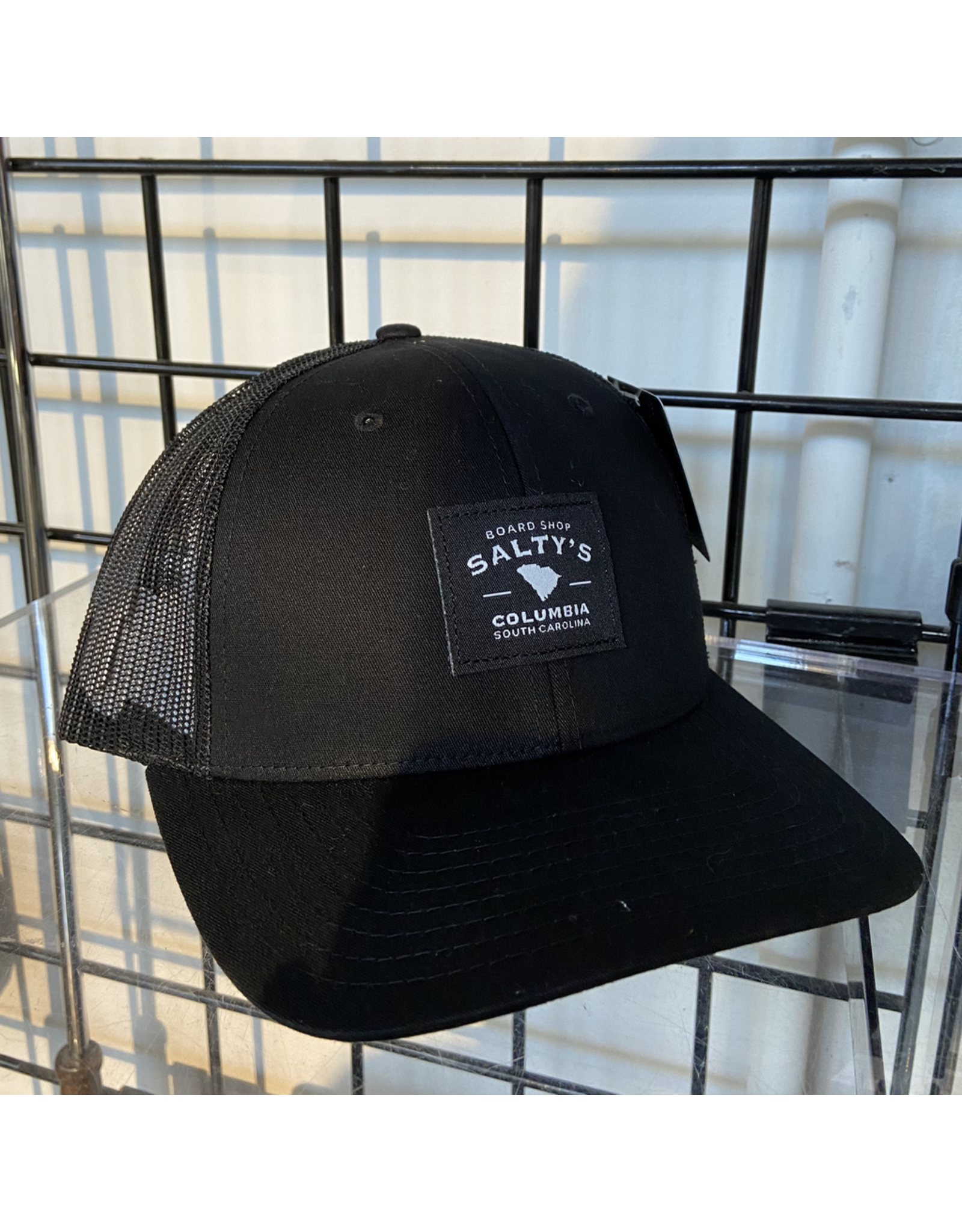 115 SOLID BLACK SALTY'S TRUCKER HAT