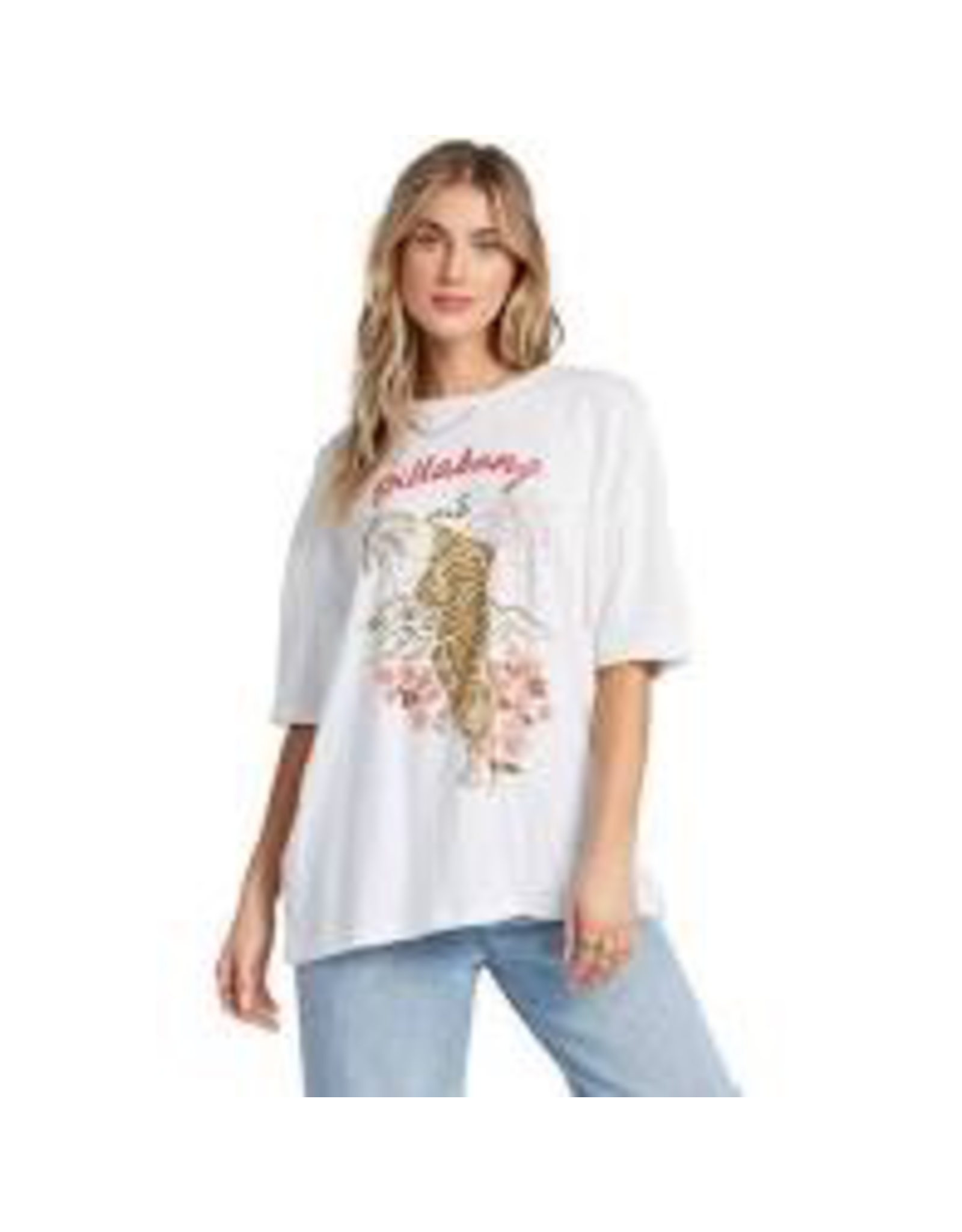 A tee with room to roam free. A graphic tee with a true boyfriend fit, the womens t-shirt features an extra relaxed cut made from premium cotton jersey and topped with a tiger print at the chest. A garment wash adds an extra soft feel.