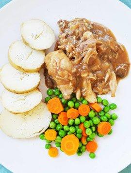 Poulet forestier, carottes, pois verts & pommes de terre (325g)