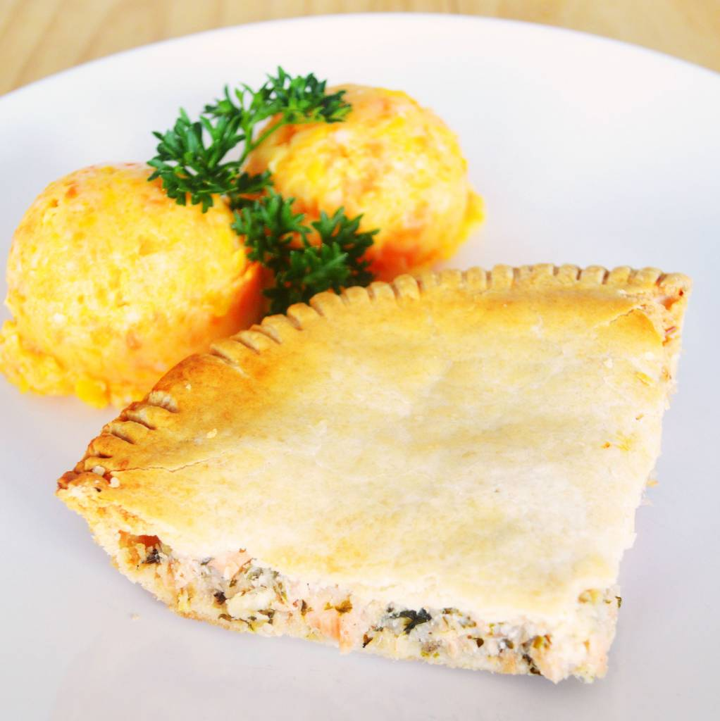 Salmon pie & three vegetables mash (325g)