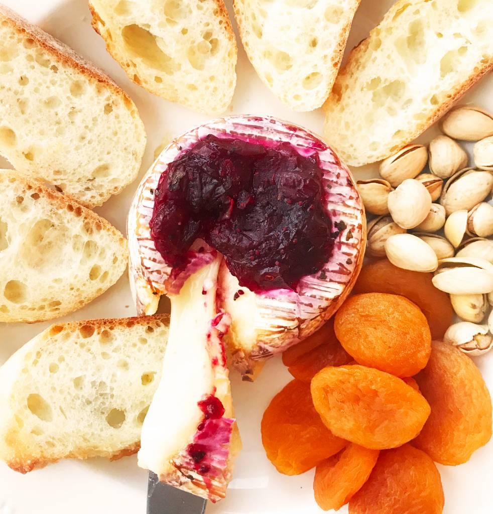 Brie aux canneberges & au basilic