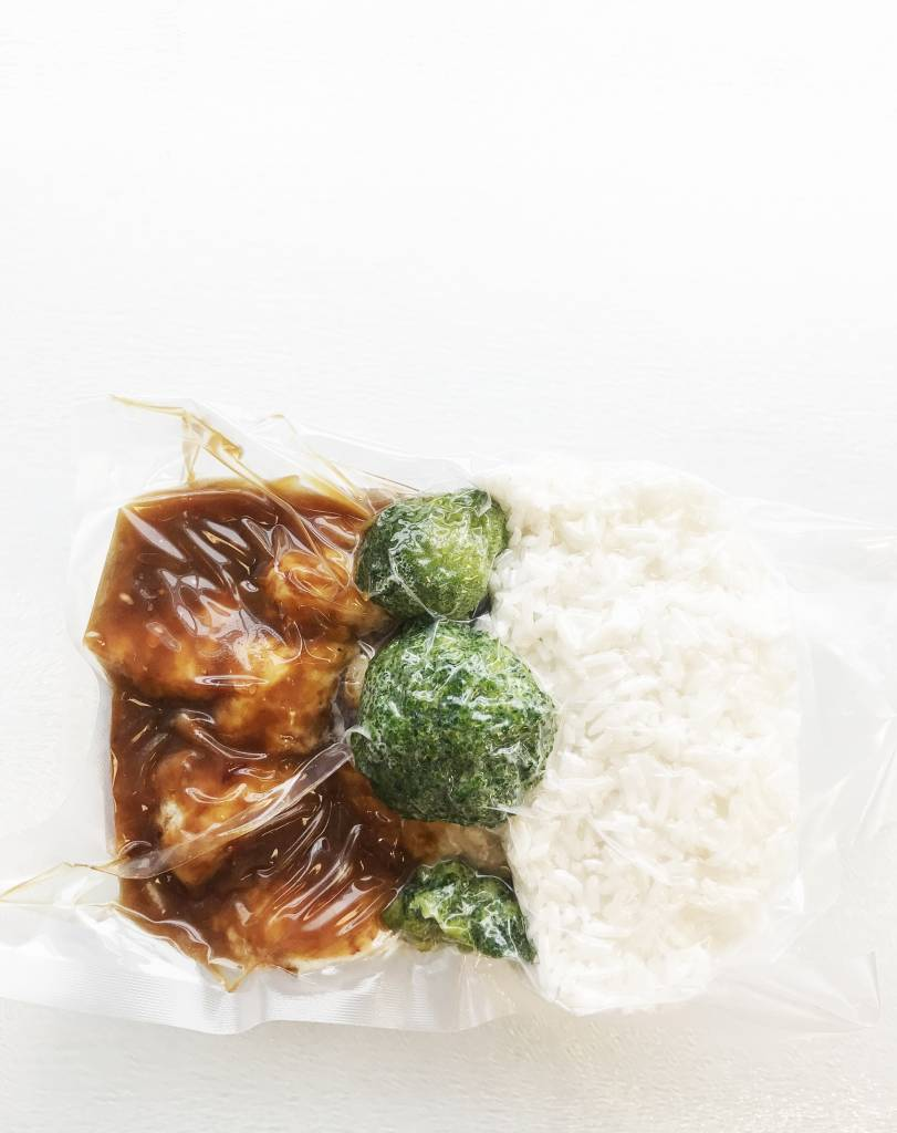 Poulet tempura, orange & gingembre, brocoli & riz (325g)