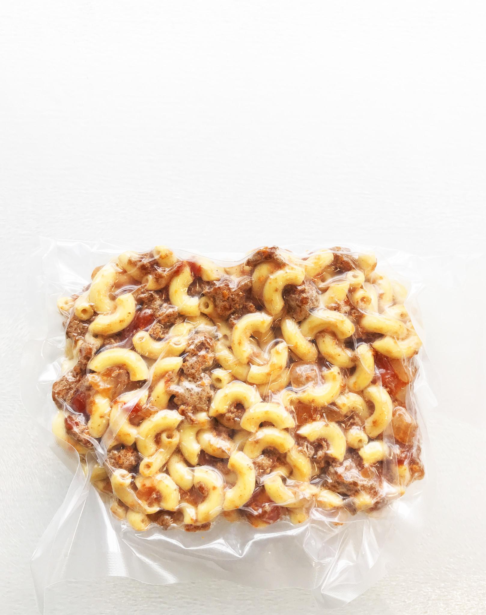 Macaroni with meat sauce (325g)