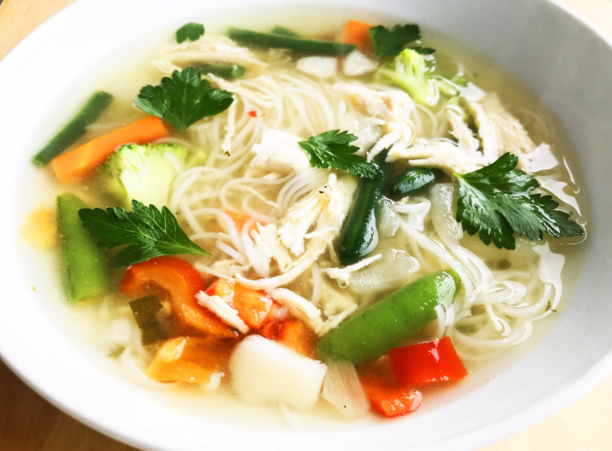 Oriental-style Chicken & Vegetable Soup (325g)