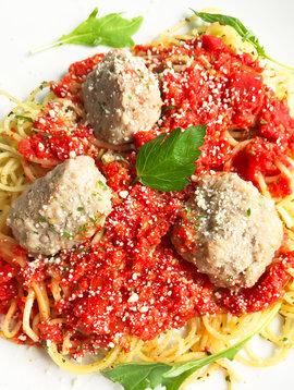 Spaghettini with veal meatballs, marinara & parmesan (325g)