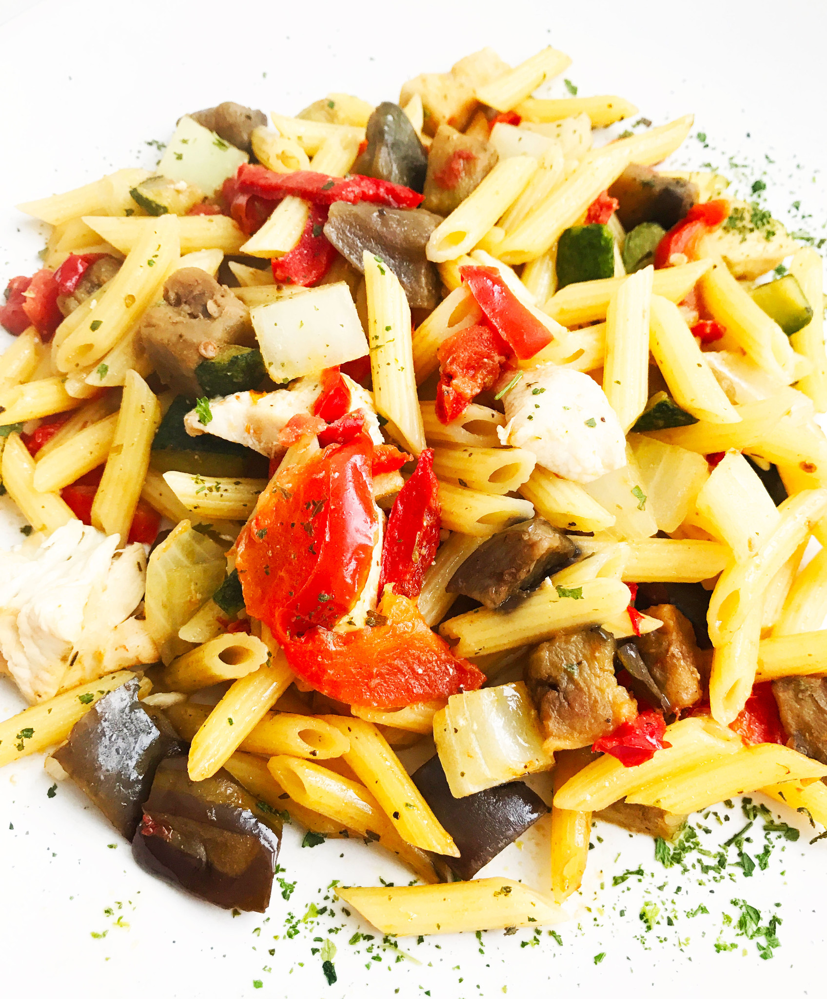 Pennette with ratatouille & poultry (325g)