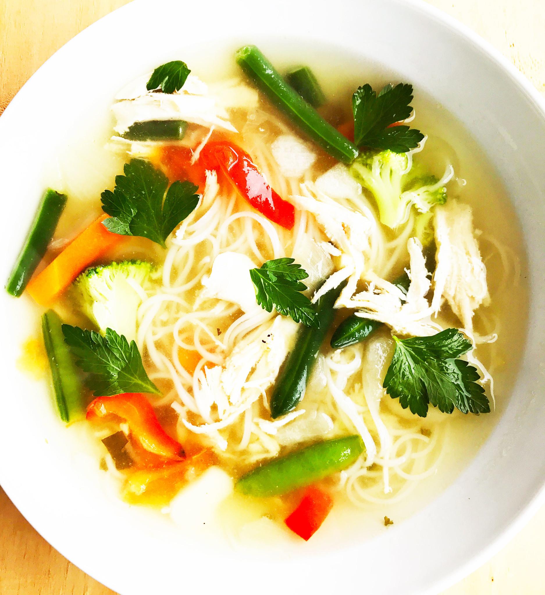 Oriental Chicken & Vegetable Soup (325g)