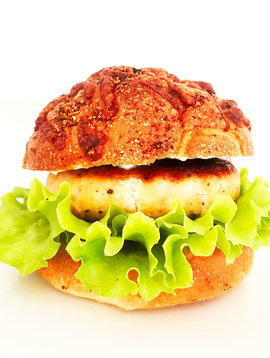 Salmon burger with capers & horseradish