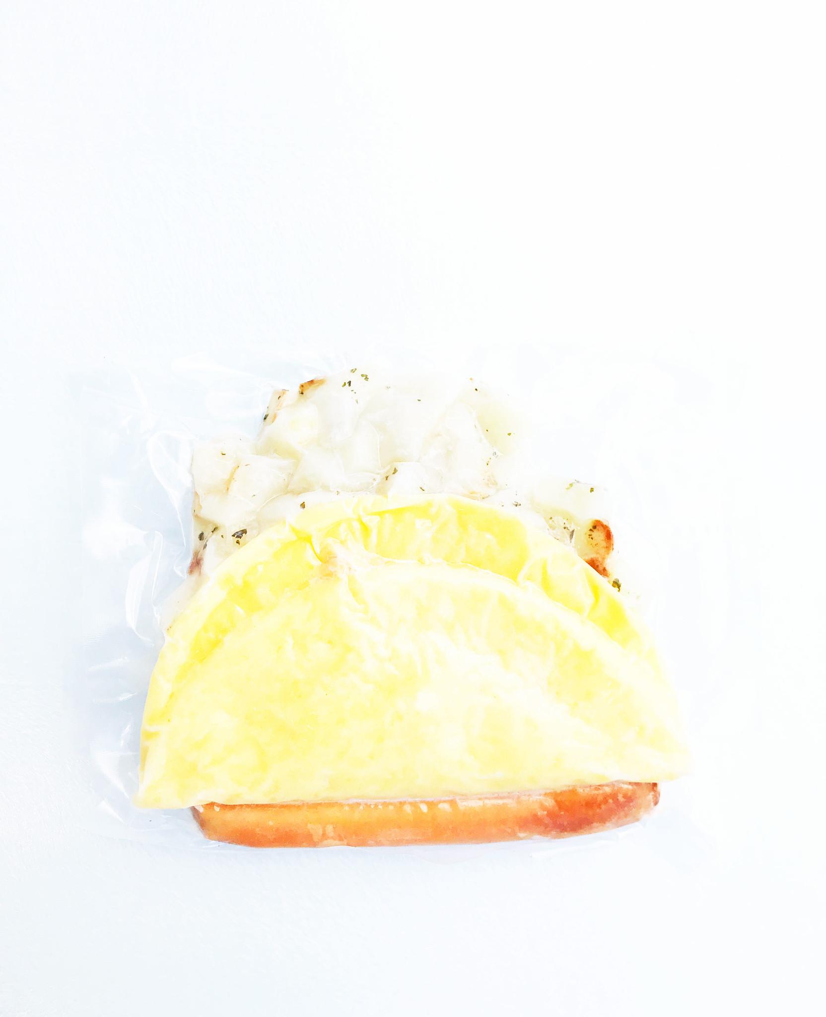 Cheese omelet, sausage & homemade potatos