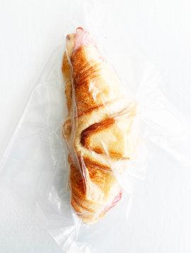 Croissant pur beurre, jambon & fromage cogruet (Circulaire Janvier, Prix régulier 6.50)
