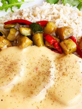 Pork tenderloin, Tuscany sauce, vegetables & brown rice (325g)