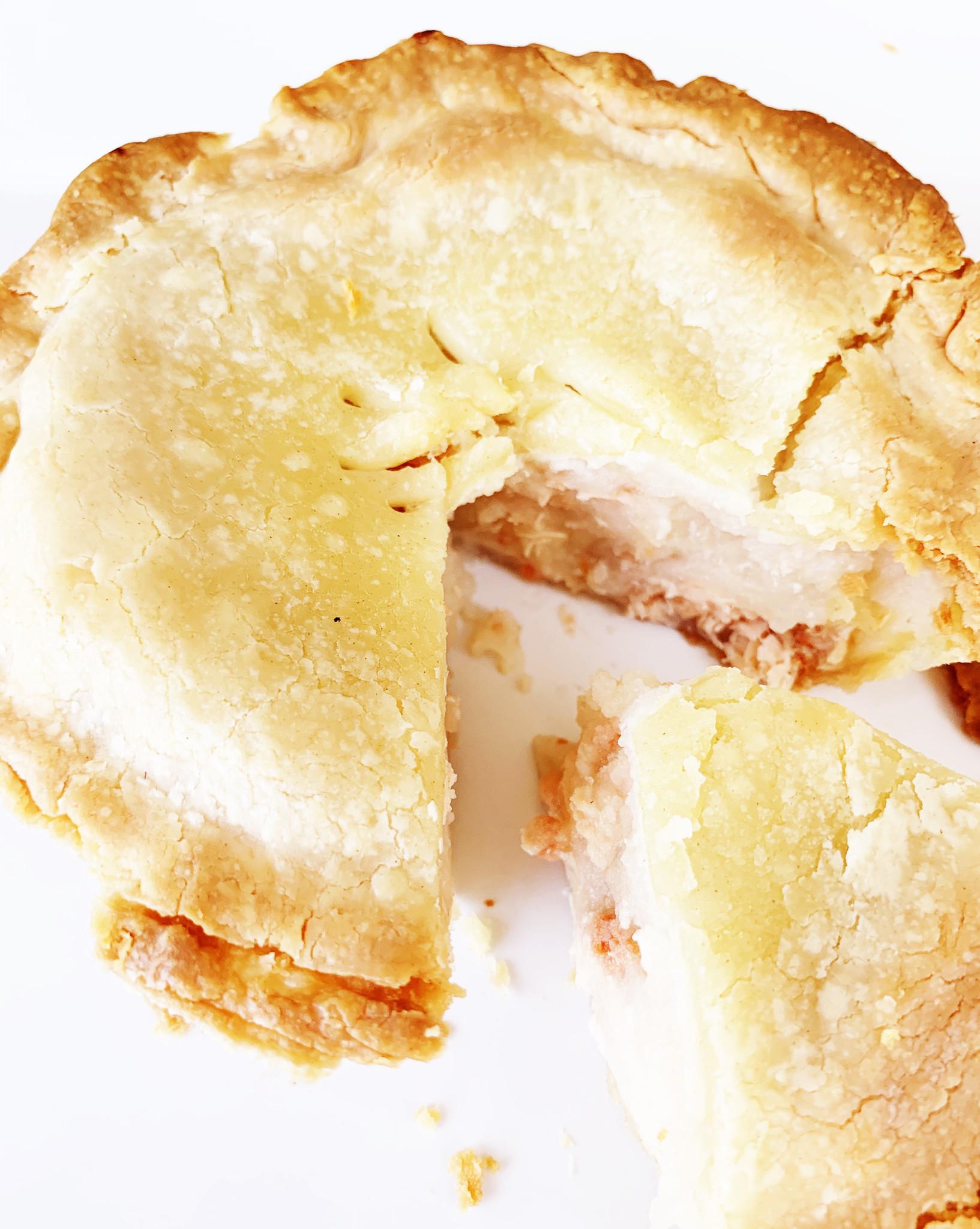 Small salmon pie