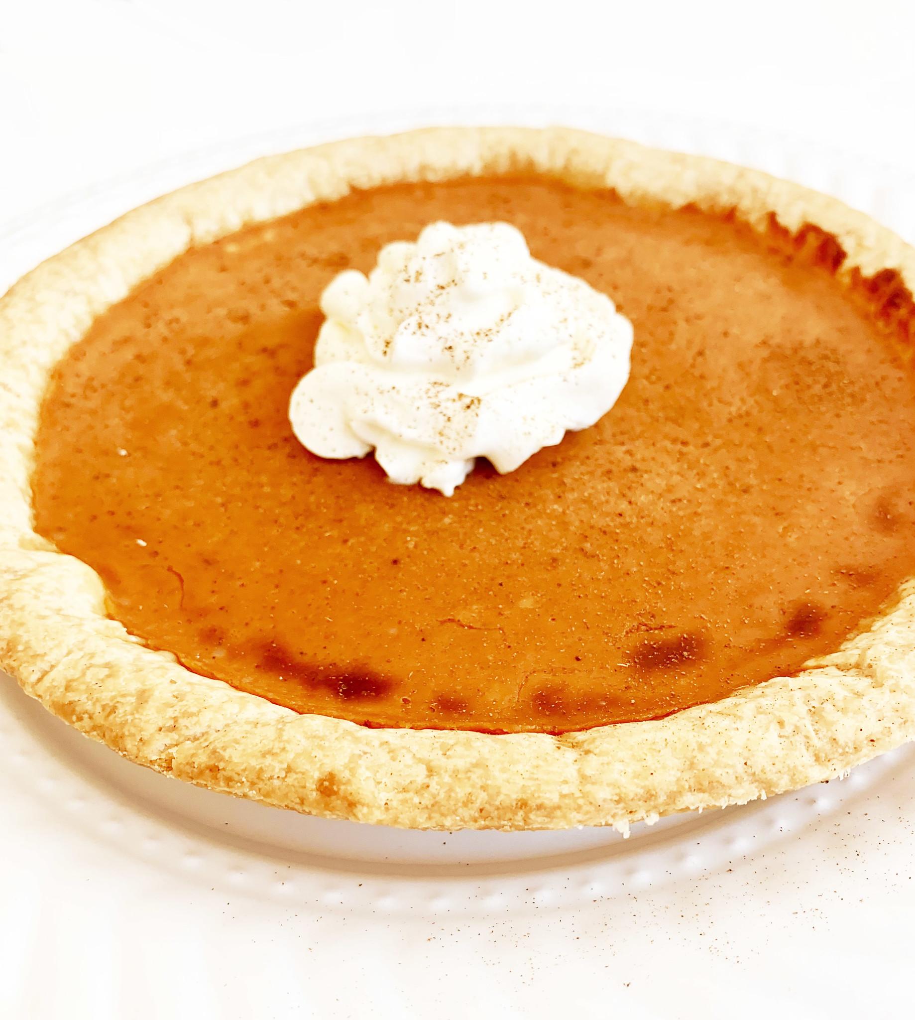 Large pumpkin & vanilla pie