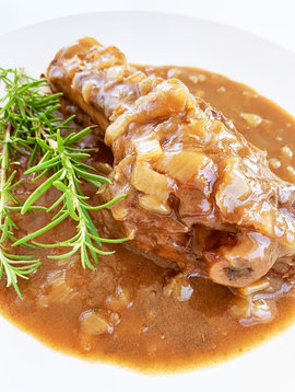 Lamb shank in red wine and rosemary demi-glace sauce