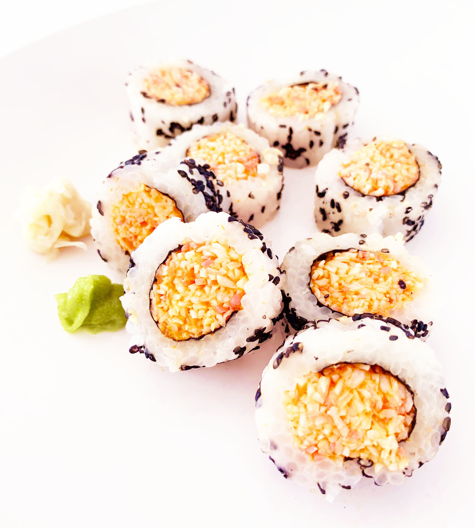 Spicy crab makis
