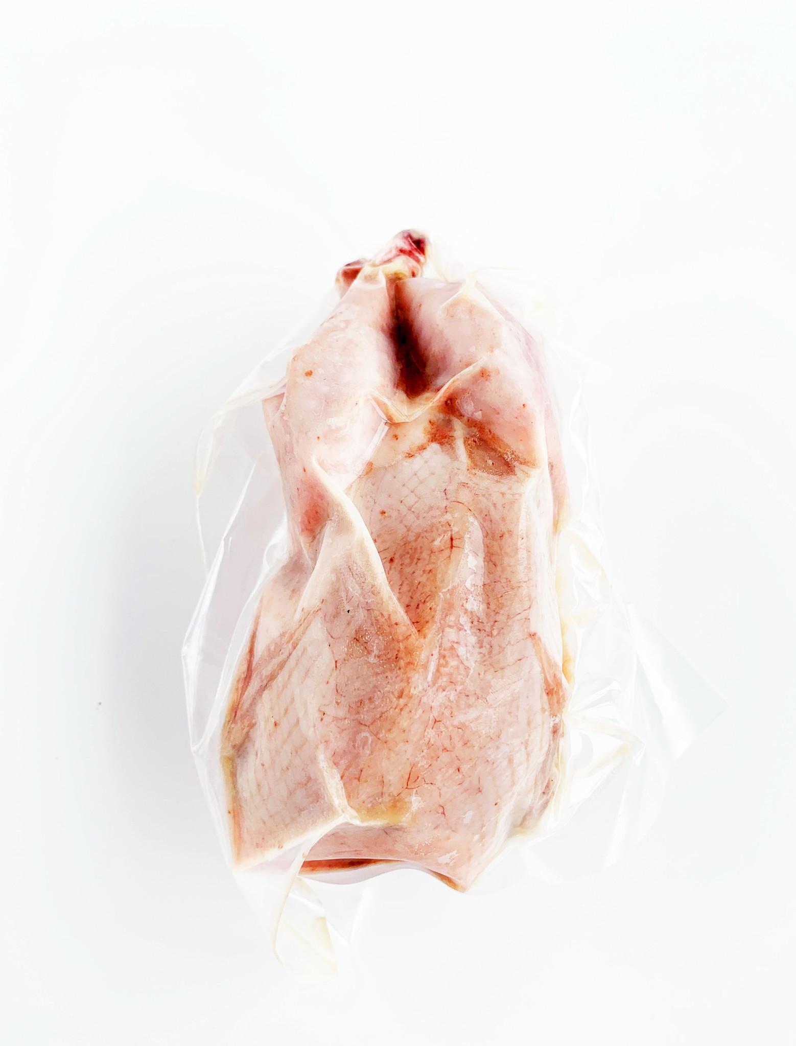 Caille farcie au foie de volaille, au porto, à l'érable, à la pomme & aux noix de Grenoble