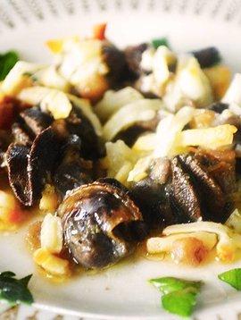 Escargots, ail & champignons gratinés