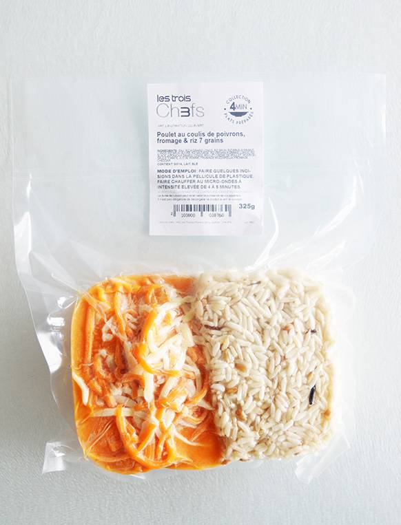Chicken with bell pepper coulis, cheese & 7 grain rice (325g)