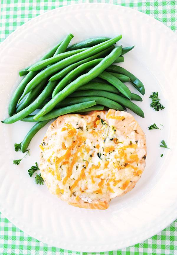 Salmon roulade with vegetables