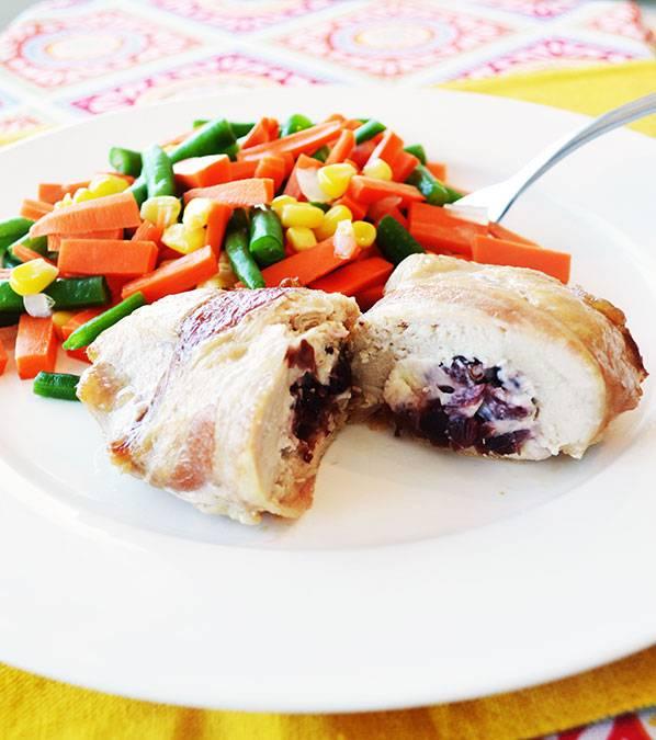 Poitrine de poulet farcie canneberges & au fromage à la crème