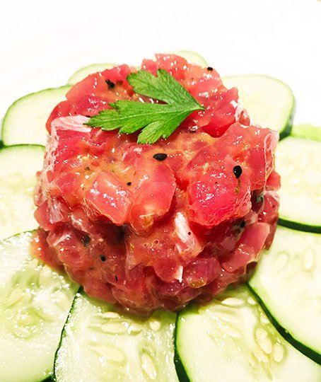 Tartare de thon, sésame & sauce asiatique