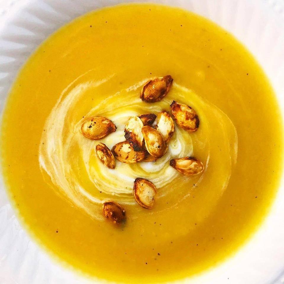 Pumpkin, apple & curry Soup