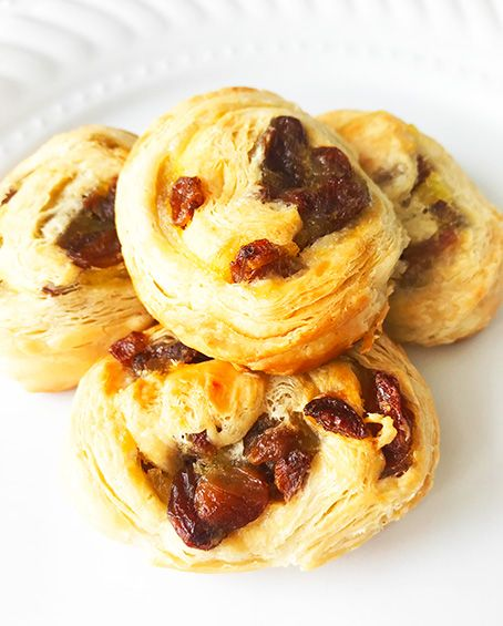 Mini French buns with grapes