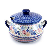 Soup Tureens & Covered Pots