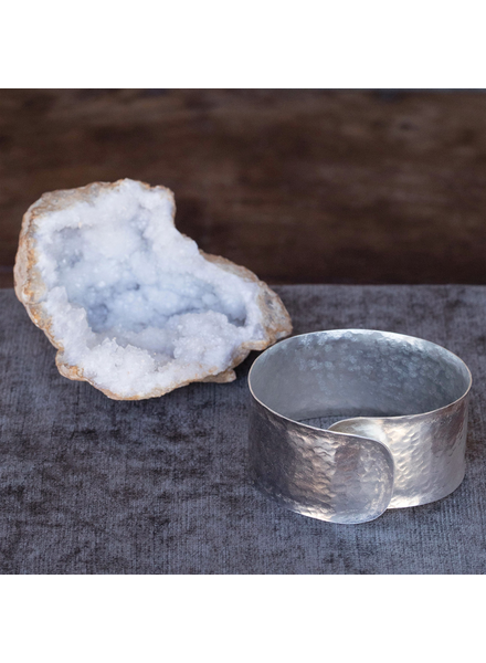 OraTen Hammered Silver Bangle