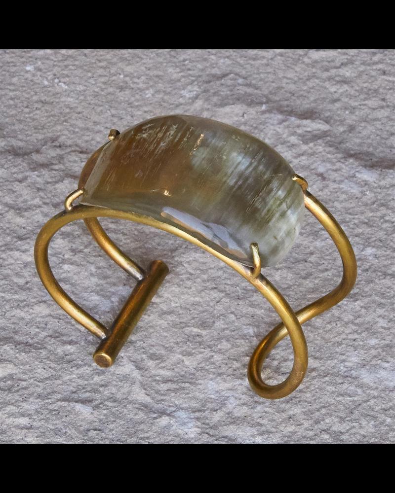 OraTen Bayan Wire Cuff with Organic Horn - Light Horn, Brass