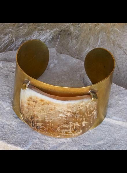 OraTen Banten Wide Cuff - Light Horn, Brass