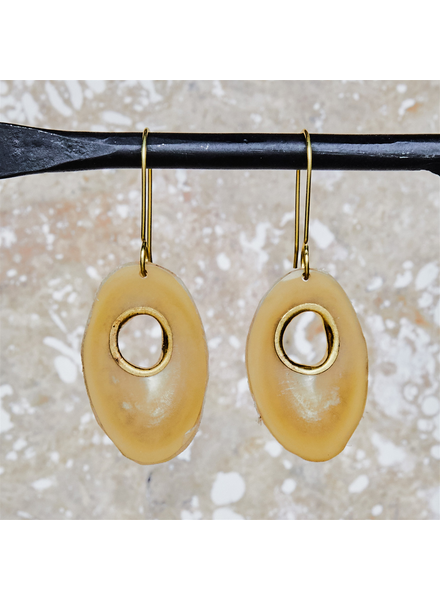 OraTen Tengara Earring with Eyelet - Oval - Light Horn, Brass