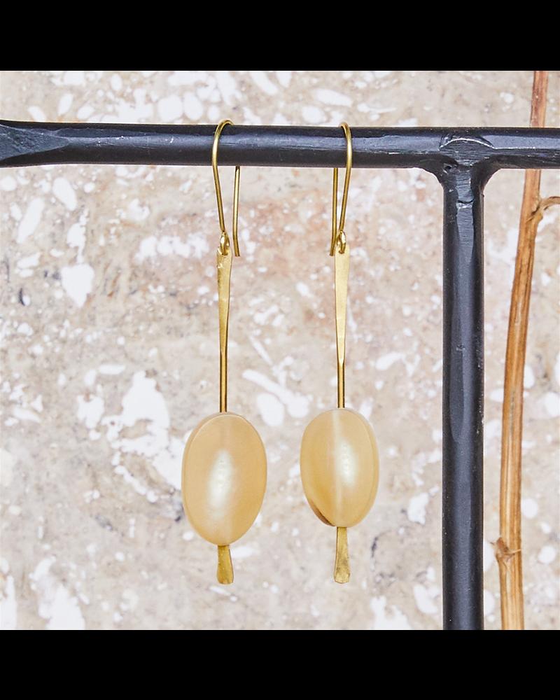 OraTen Sema Earrings - Light Horn, Brass