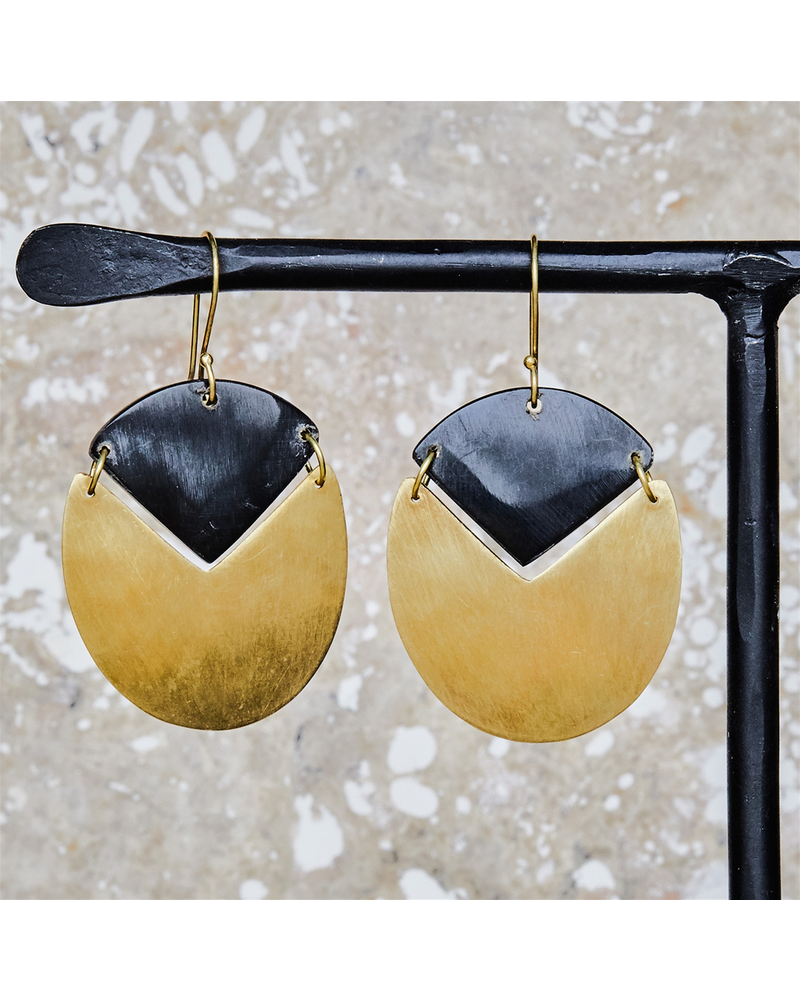 OraTen Padang Linked Oval Earring - Dark Horn, Brass