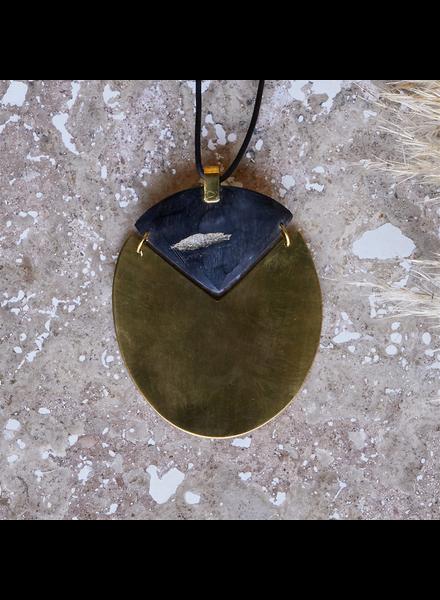 OraTen Padang Linked Oval Pendant Necklace - Dark Horn, Brass