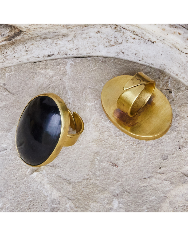 OraTen Bezel Set Ring, Brass - Horn