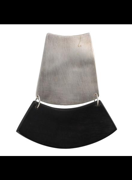 OraTen Jakarta Brooch - Arch - Dark Horn, Silver