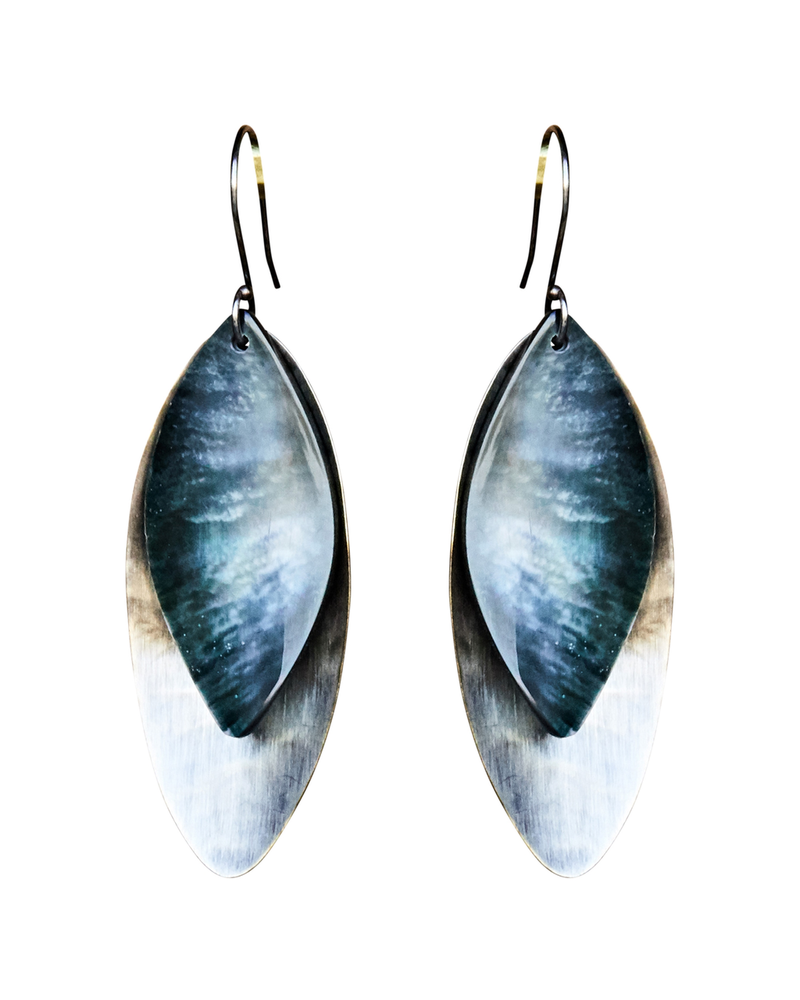 OraTen Dona Earring, Silver, Mother of Pearl - Dark