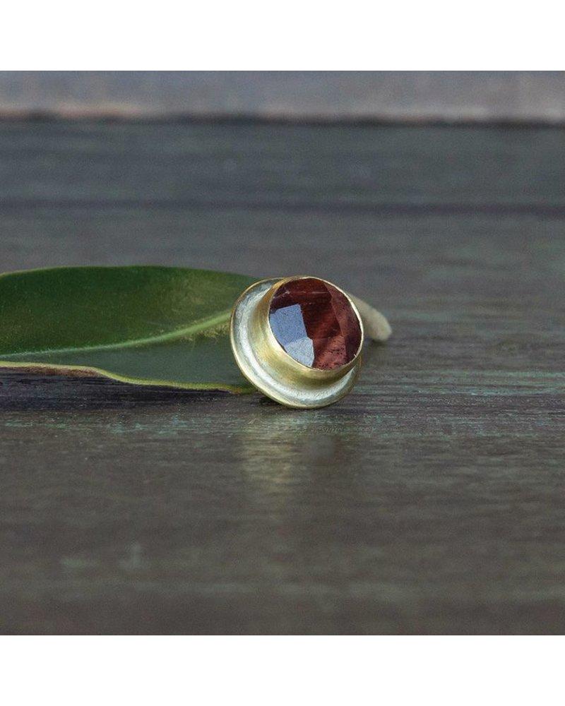OraTen Lapel Brass Pin-Red Tigers Eye