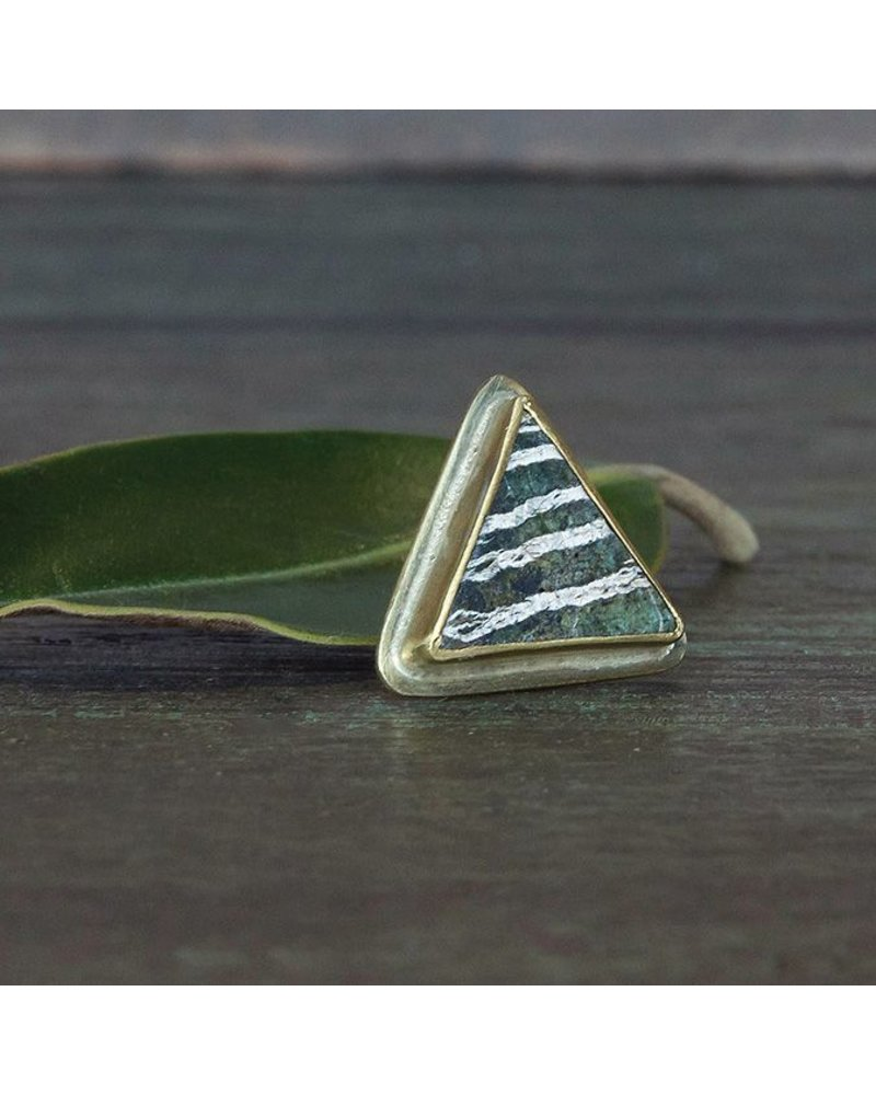 OraTen Lapel Brass Pin - Depleted Zebra Jasper