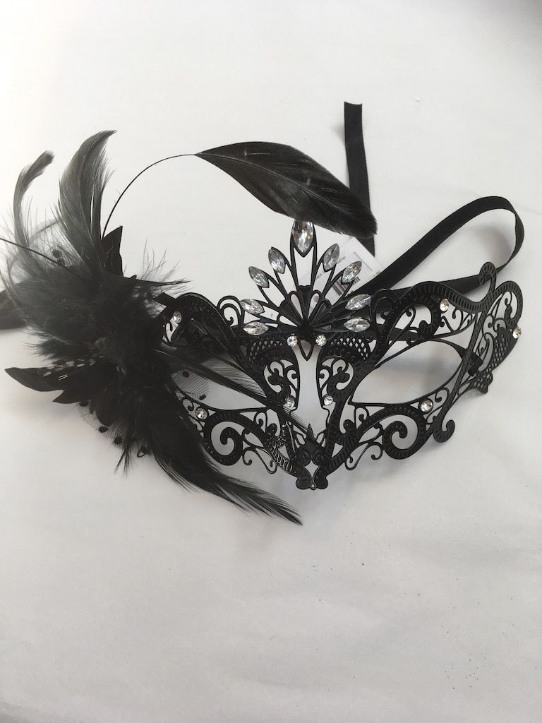 Australia Black Mask w Feather