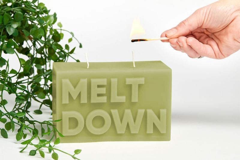 Australia MELT DOWN Candle